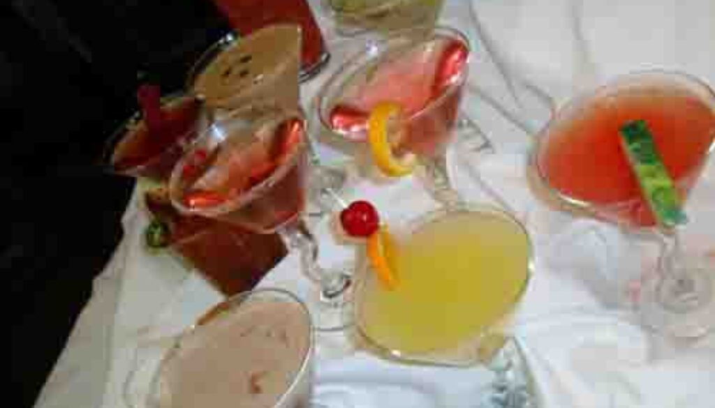 10219818-new-signature-drinks-at-park-plaza-gardens-in-winter-park.jpg