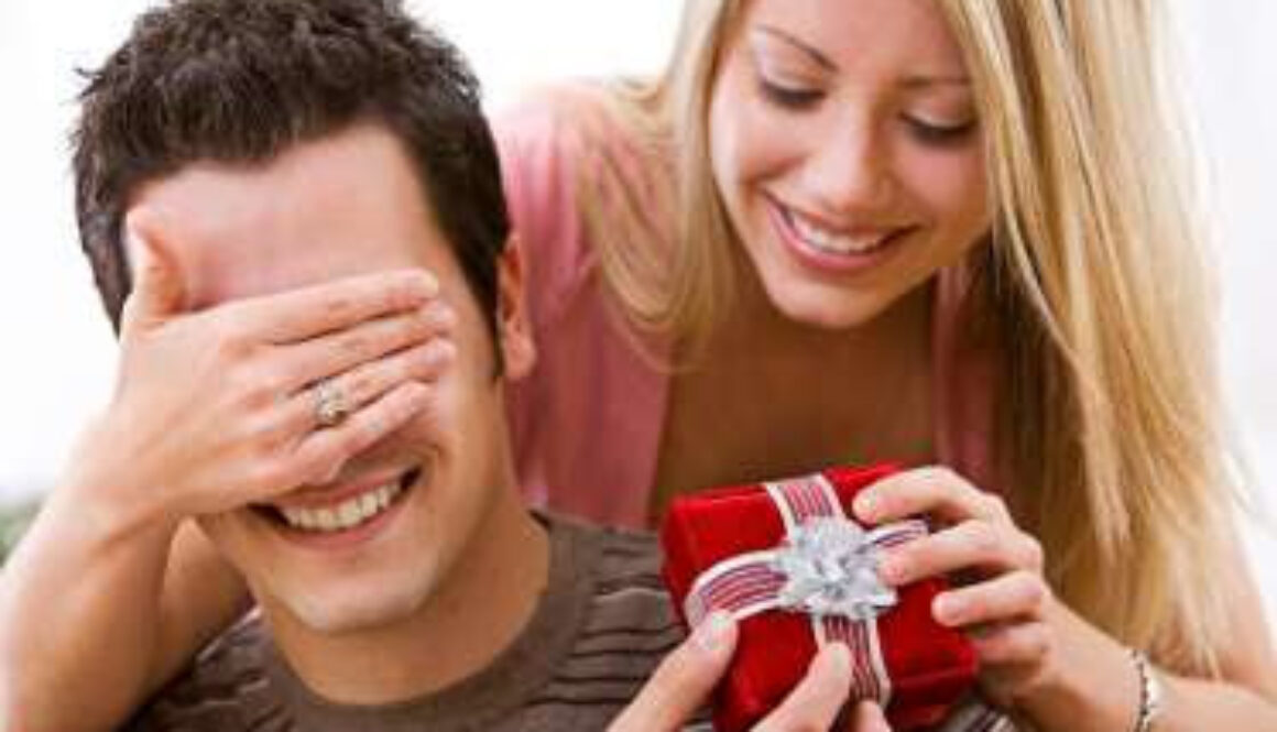Marriage-Anniversary-Gifts-For-Her.jpg