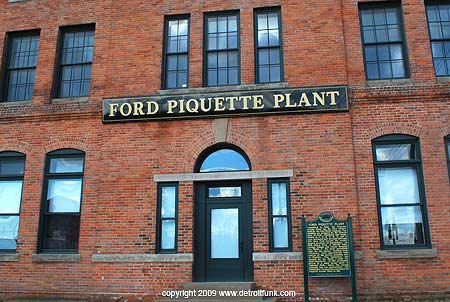 Ford Piquette wedding venue