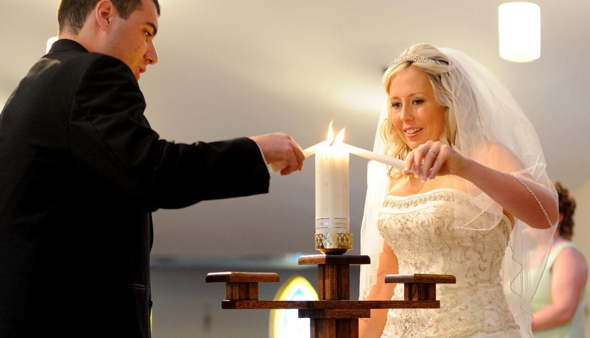 Bride+&+Groom+Lighting+Unity+Candle+-+UNIQUE+Event+Design.jpg