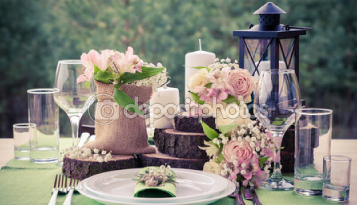 depositphotos_72941403-Wedding-table-setting-in-rustic.jpg