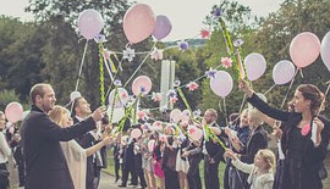 wedding-1571432__180.jpg