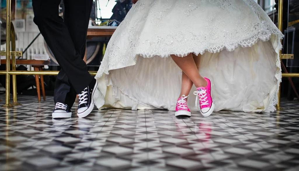 converse-bride-groom